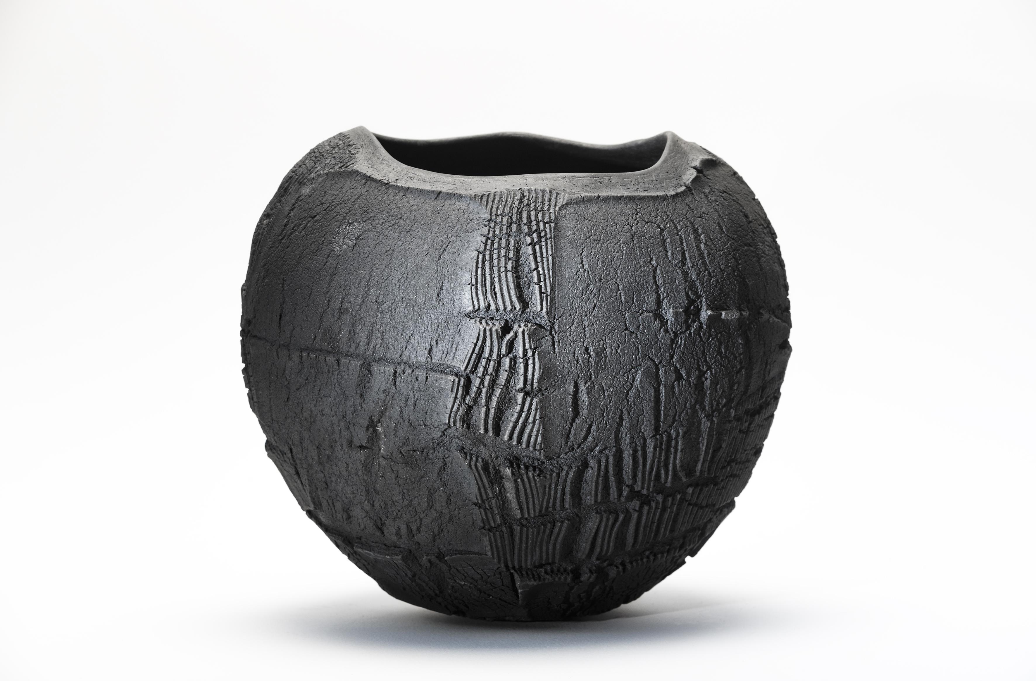 Patricia Shone. Erosion Bowl 18. Raku Ceramic. Image Joris Jan Bos Photograpy.