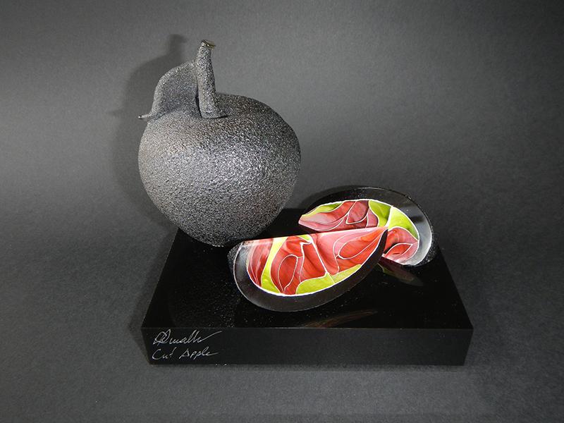 Elliot Walker. Cut Apple