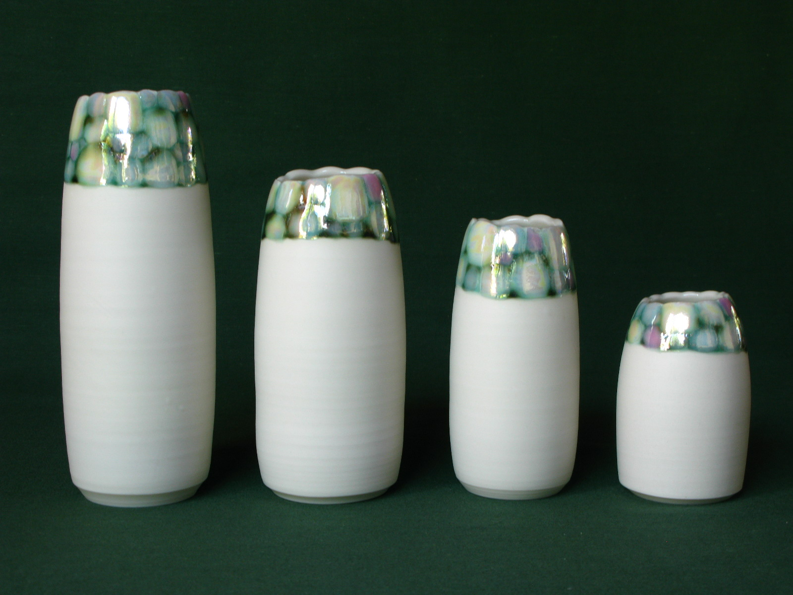 Gillian McMillan. 'Pebble' vases