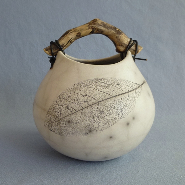 Anne Morrison. Leaf crackle pot - small