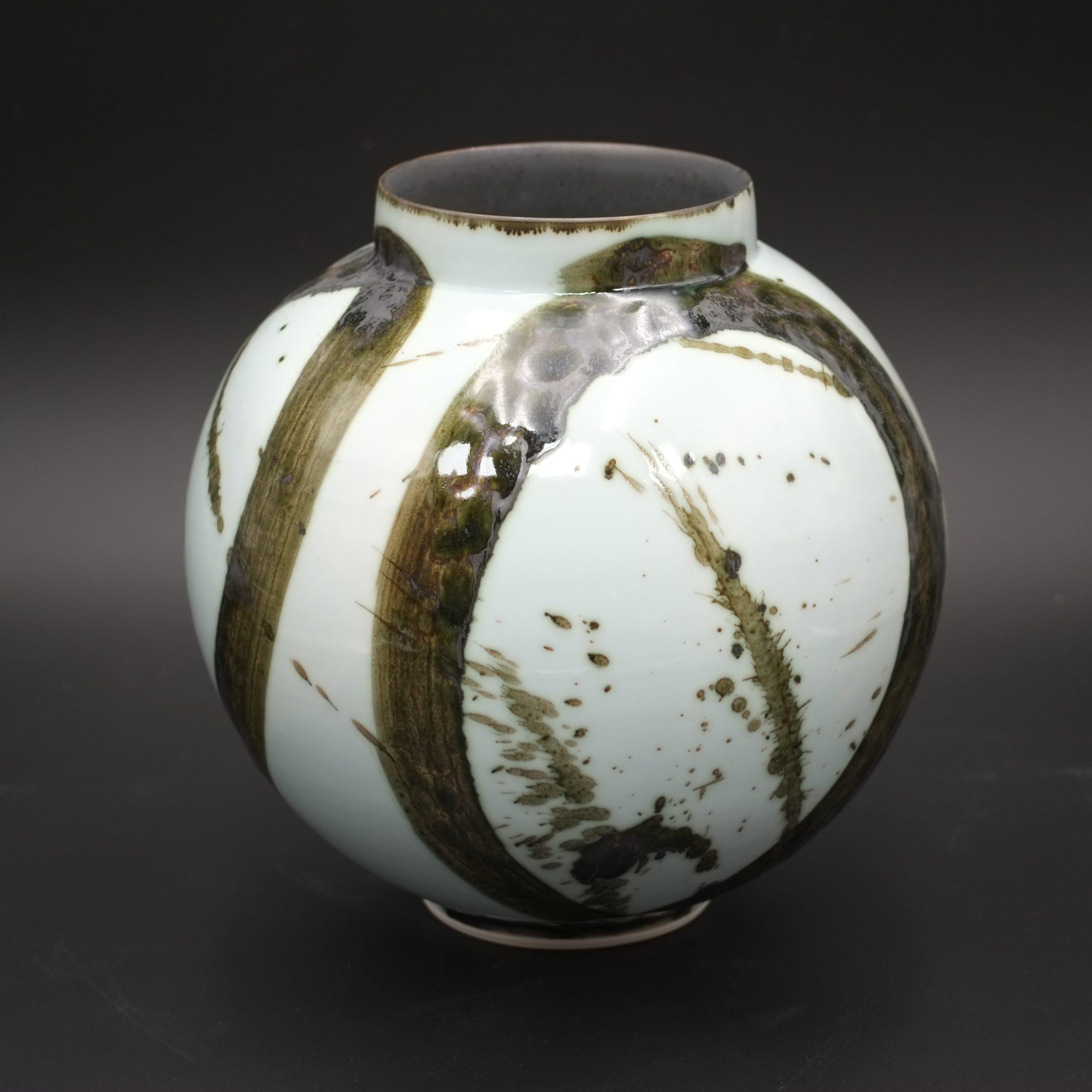Tricia Thom. Moon Jar
