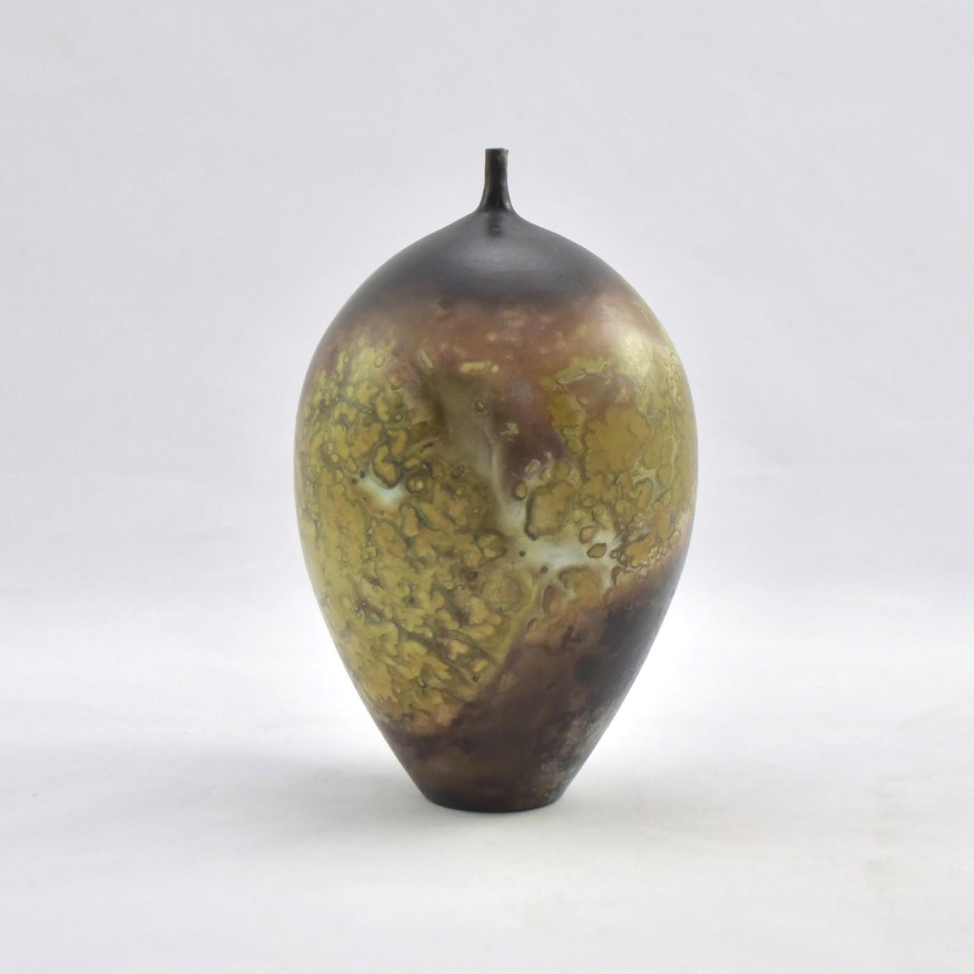 Janene Woudby. Gold smoke narrow necked vessel