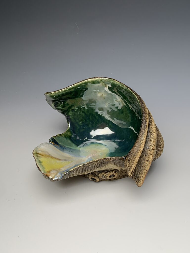 Hanna Salomonsson. Medium deep green bowl w/ gold-leaf detail M-O-03